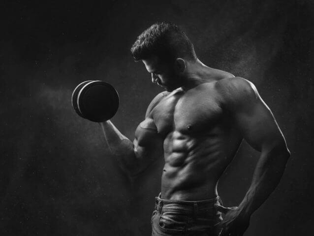 上腕三頭筋を鍛える自重筋トレメニュー4選